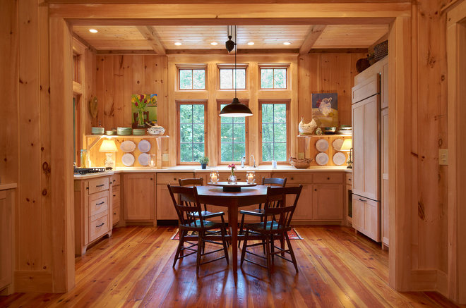 farmhouse kitchen by Futral Builders