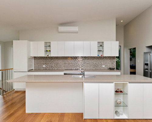 Newcastle maitland kitchen with mosaic tiled splashback for Kitchen designs newcastle nsw