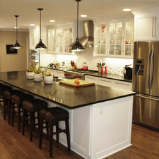 Farmhouse Kitchen by Green Basements & Remodeling