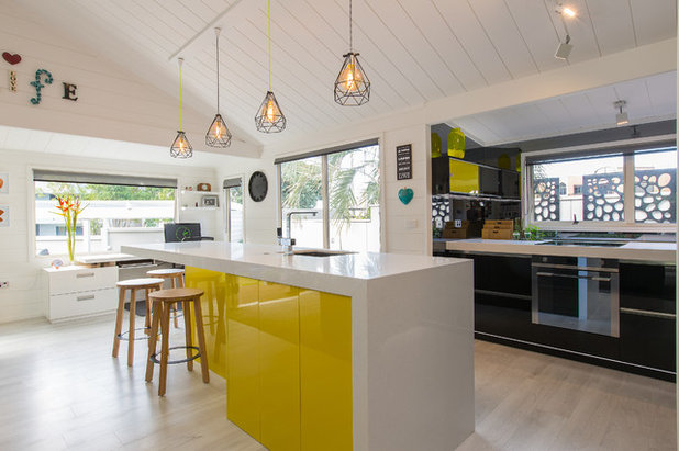 Contemporary Kitchen by Habitat by Resene
