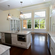 Traditional Kitchen by Heartwood Corp