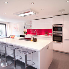 Contemporary Kitchen by Holland And Green Architectural Design