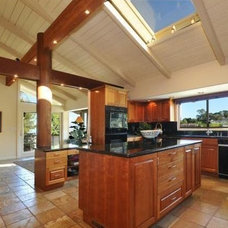 Traditional Kitchen by Howe Custom Home Builders