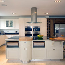 Contemporary Kitchen by Inglish Design