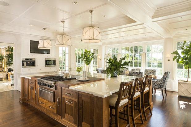 Классический Кухня by Ira Montgomery Photography