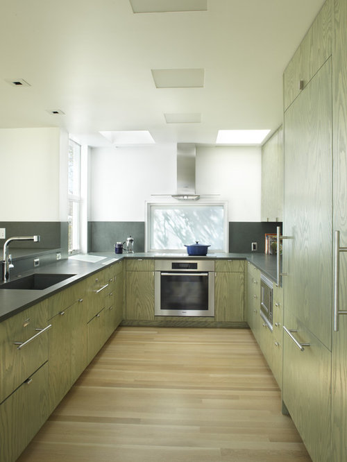 Trendy Kitchen Photo In San Francisco With Stainless Steel Appliances