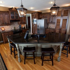 Traditional Kitchen by Shaping Your Space