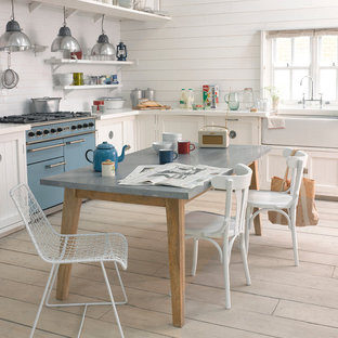Table In Middle Of The Kitchen Ideas