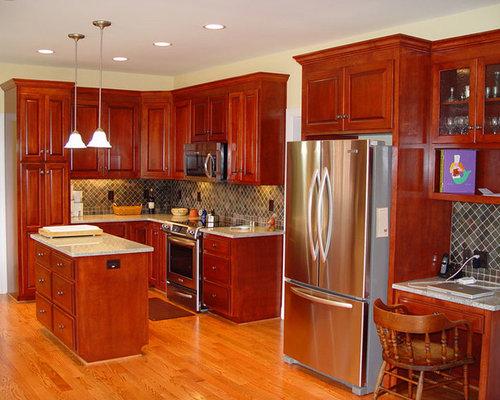 Medium sized red kitchen design ideas renovations photos - Medium sized kitchen design ideas ...