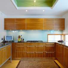 Contemporary Kitchen by Lifeseven Photography