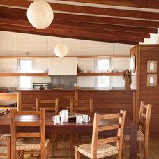 Contemporary Kitchen by Martin Gomez Arquitectos