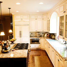 Traditional Kitchen by McCarthy Custom Homes LLC.