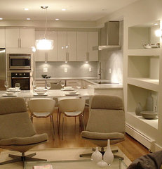 modern kitchen by Melissa Miranda Interior Design