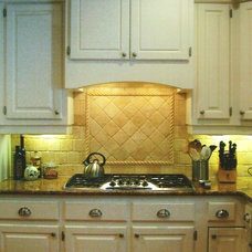 Traditional Kitchen by Minchew and Company