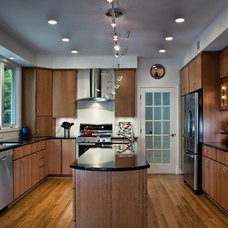 Contemporary Kitchen by Moss Building and Design
