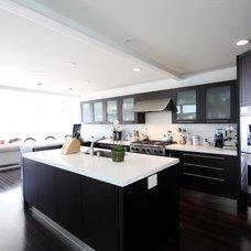 Modern Kitchen by Newform Kitchen & More