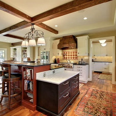 Traditional Kitchen by PBE Builders