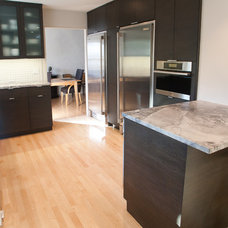Modern Kitchen by Redo Remodeling