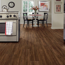 Traditional Kitchen by SELAND'S Abbey Flooring Center