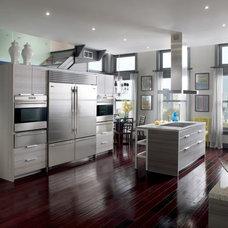 Modern Kitchen by Sub-Zero and Wolf