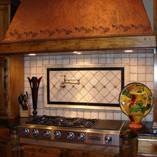Mediterranean Kitchen by Summit Country Homes & Remodeling