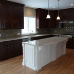 Kitchens w/ Island Cooktop