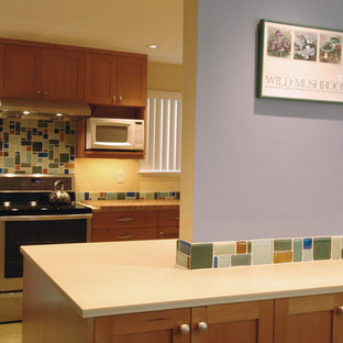 Example of a kitchen design in Seattle