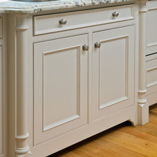 Traditional Kitchen by Troy Cabinetmakers