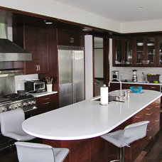 Contemporary Kitchen by Venetian Construction