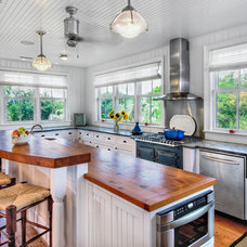 Traditional Kitchen by William Quarles Photography