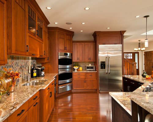 Our 25 Best Traditional Kitchen With Medium Tone Wood Cabinets Ideas Decoration Pictures Houzz