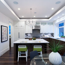 Contemporary Kitchen by Rockridge Fine Homes