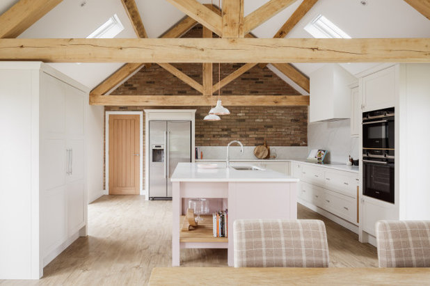 Country Kitchen by Nest Kitchens