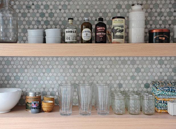 トランジショナル キッチン by Susan Yeley Homes