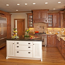 Traditional Kitchen by Carriage House Design, Inc.