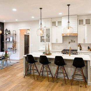 Kitchen - farmhouse kitchen idea in Other
