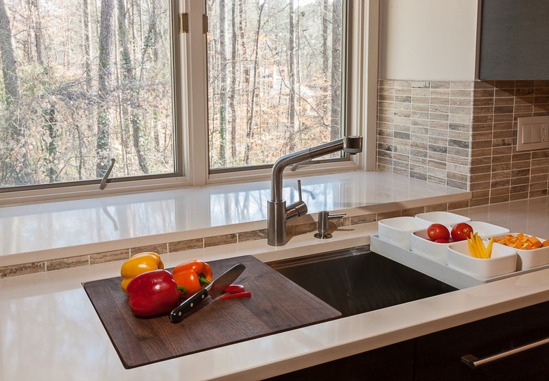 contemporary kitchen KOHLER STAGES SINK WITH INTEGRATED CUTTING BOARD AND PREP BOWLS