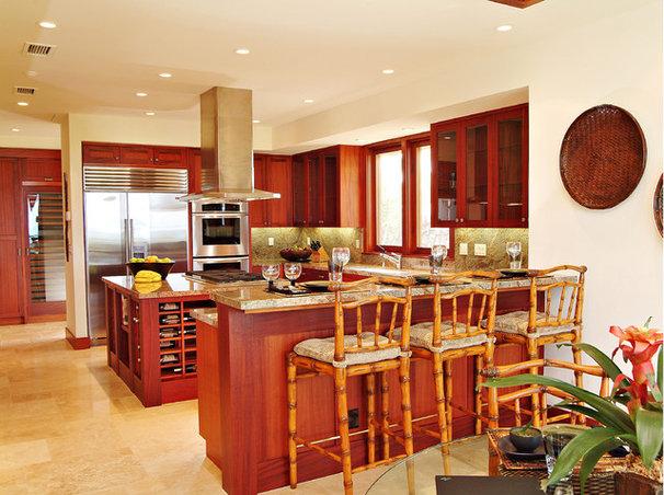 Tropical Kitchen by Shigetomi Pratt Architects, Inc.