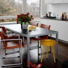 Modern Kitchen by ijzersterk interieurontwerp