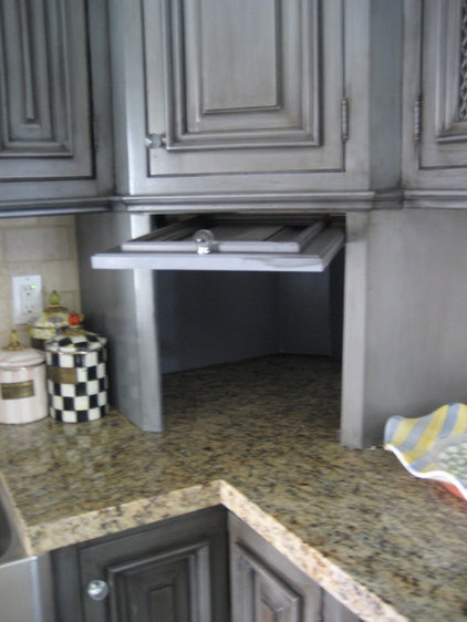 Eclectic Kitchen by CustomBuilt-ins.com / CFM Company Inc.