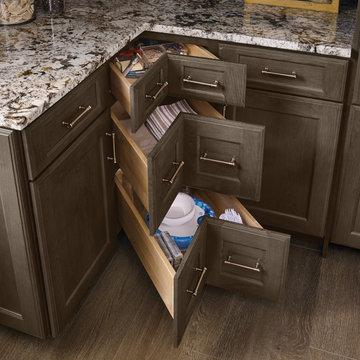 KraftMaid: Base Corner Drawer Cabinet
