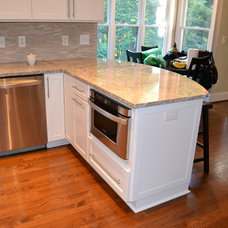 Traditional Kitchen by Lowe's of Huntersville, NC