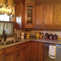 traditional kitchen by Lowe's of Mantua, NJ