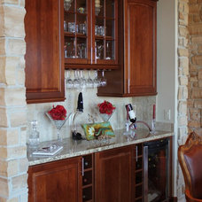 Traditional Kitchen by Tara Hausmann