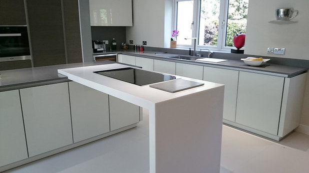Contemporaneo Cucina by Solid Surface Specialists