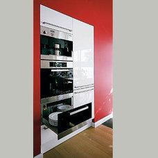 Modern Kitchen by leicht.de