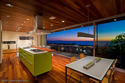 modern kitchen by LEANARCH Inc.