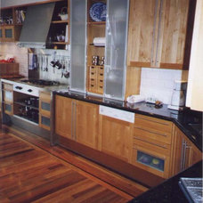 Traditional Kitchen by Larry Paul Associates