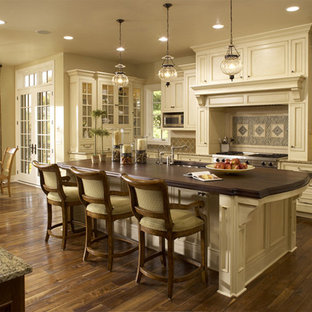 Traditional kitchen inspiration - Inspiration for a timeless kitchen remodel in Minneapolis
