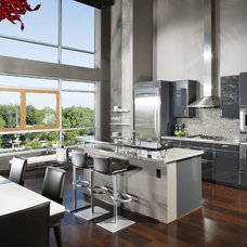 Contemporary Kitchen by Benning Design Associates